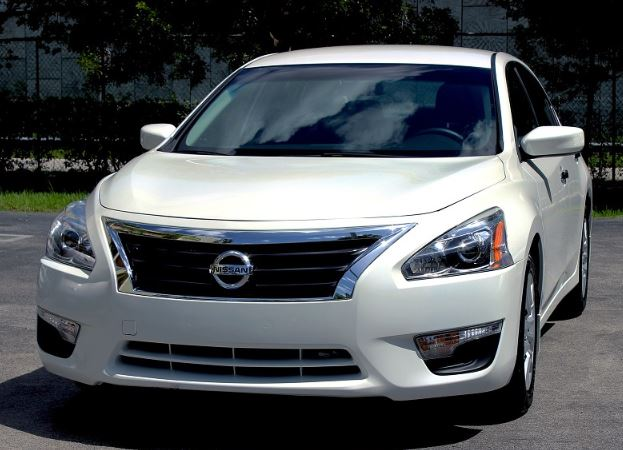 Front wheel drive Nissan Altima
