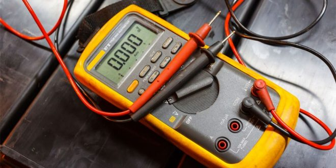 How to Use a Multimeter on a Car