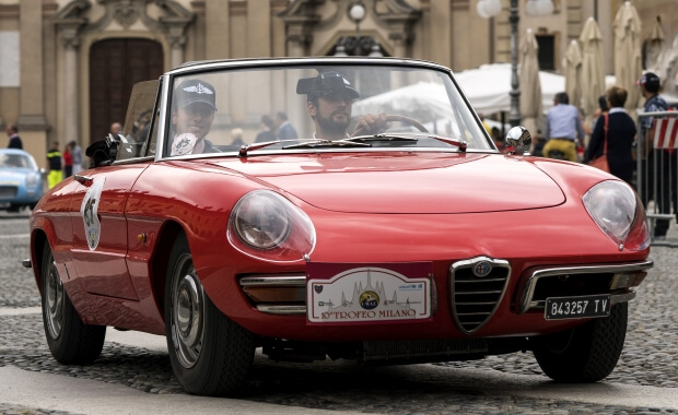 Red Alfa Romeo Spider Duetto