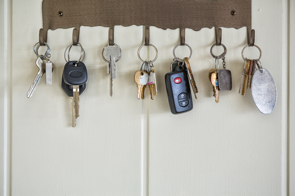 wall mounted key holder