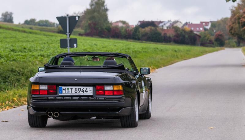 Black Porsche 944 cabriolet
