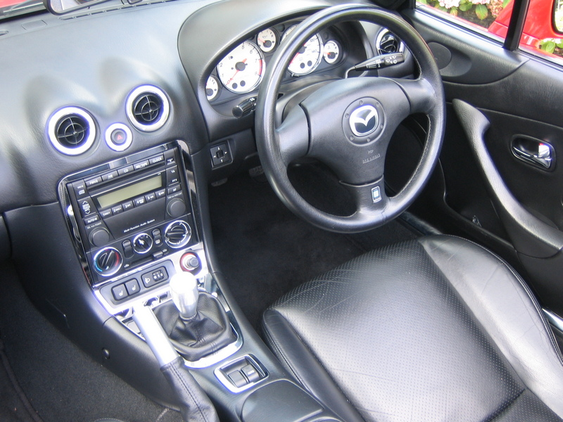 Mazda Miata MX-5 NB interior