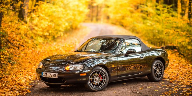 Black Mazda Miata MX-5 (NB)