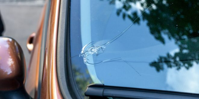 Windshield Chips and Cracks Repairs | the Complete Guide